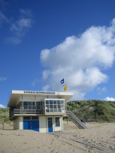 200608sV holiday to holland katwijk clouds lifeguard station beach dunes