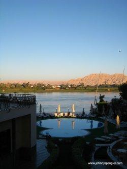 lotus hotel luxor egypt www.johnnyspangles.com