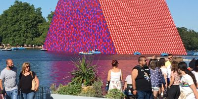 christo and jeanne claude mastaba hyde park london abu dhabi